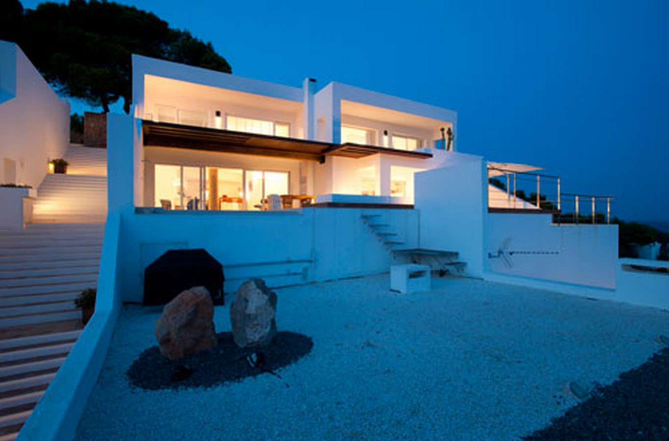 20 Best Examples of Contemporary style house - Sheet24