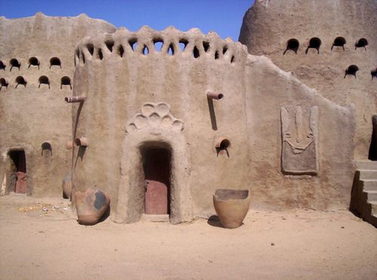 Characteristics of Sudano-Sahelian architecture - Sheet5