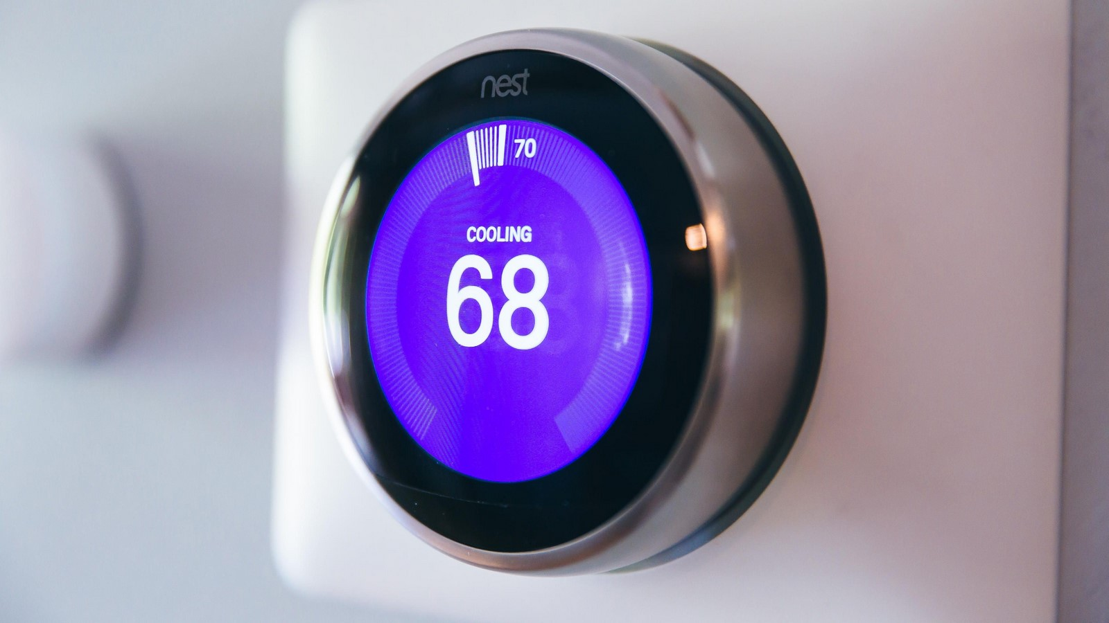 10 smart gadgets to help update your home - Sheet3