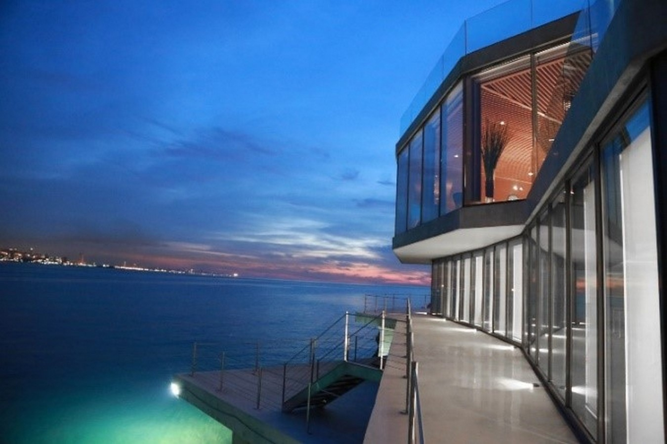 Sculpted House Hovering Over the Mediterranean by SOMA:Floating Houses - Sheet2