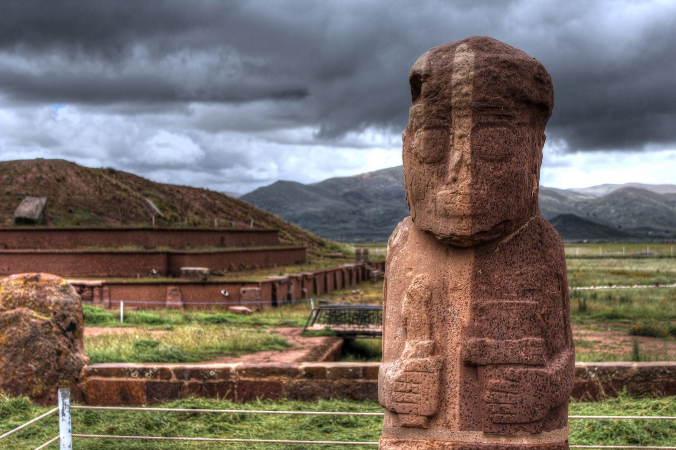 Tiwanaku Archaeological Site - Sheet2