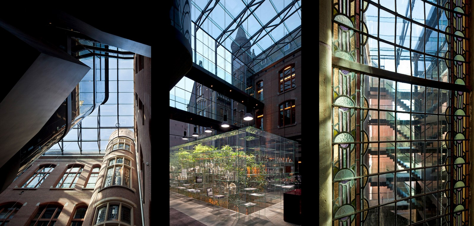15 Historical Buildings With Modern Interiors - Sheet32