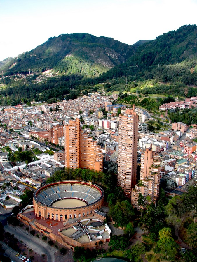 The Story of a House: Ten Houses in Bogotá - Sheet24