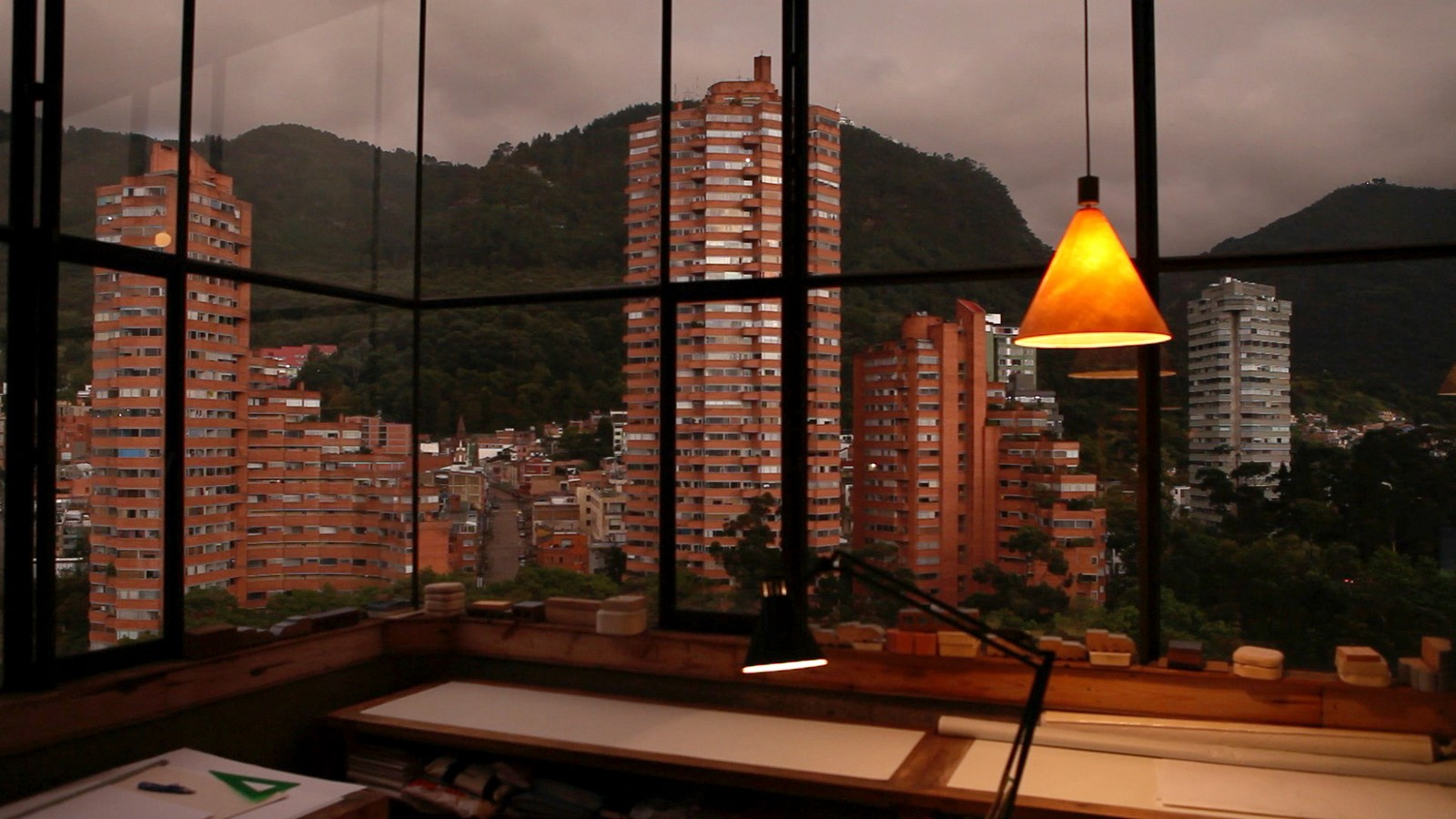 The Story of a House: Ten Houses in Bogotá - Sheet27