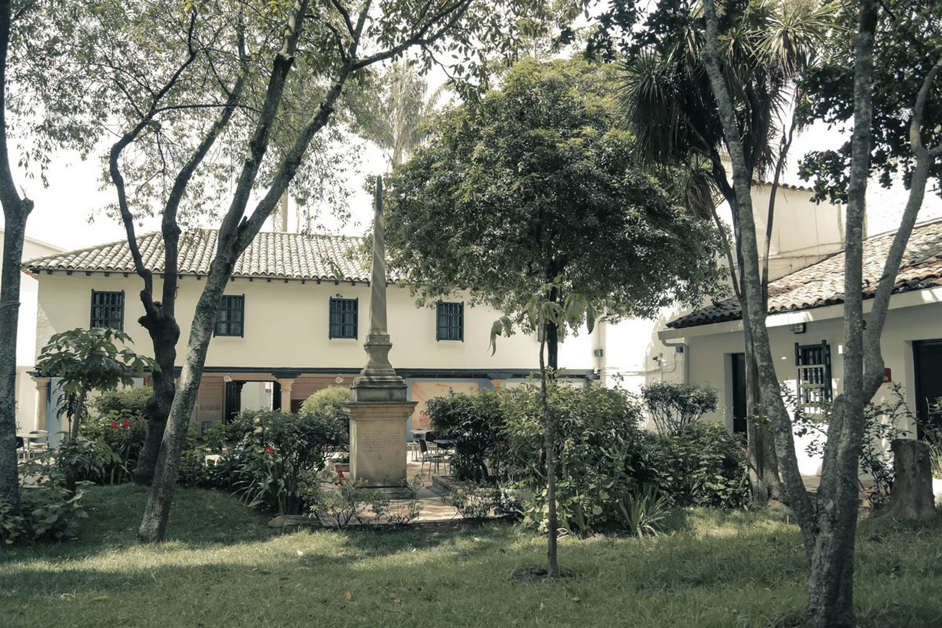 The Story of a House: Ten Houses in Bogotá - Sheet3