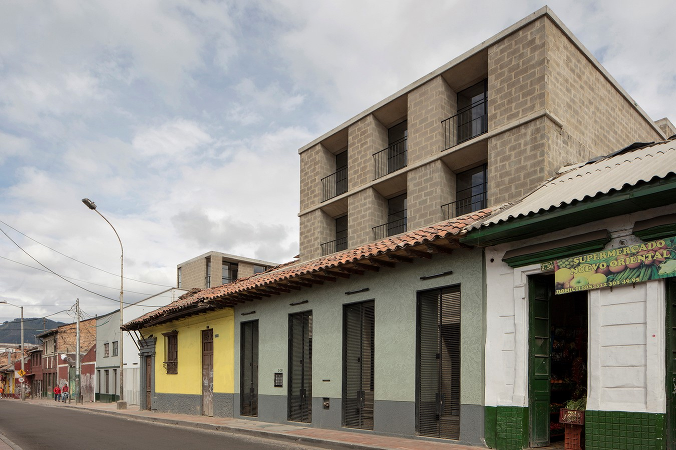 The Story of a House: Ten Houses in Bogotá - Sheet34