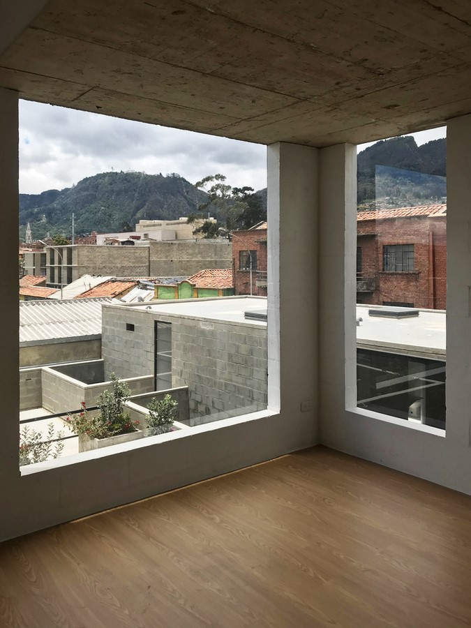 The Story of a House: Ten Houses in Bogotá - Sheet37