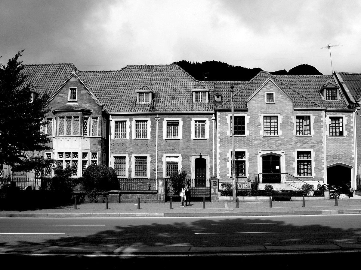 The Story of a House: Ten Houses in Bogotá - Sheet7