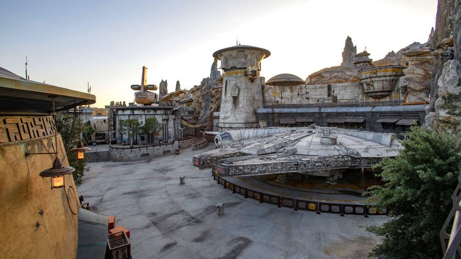 An Architectural Review of Star Wars Franchise - Sheet1