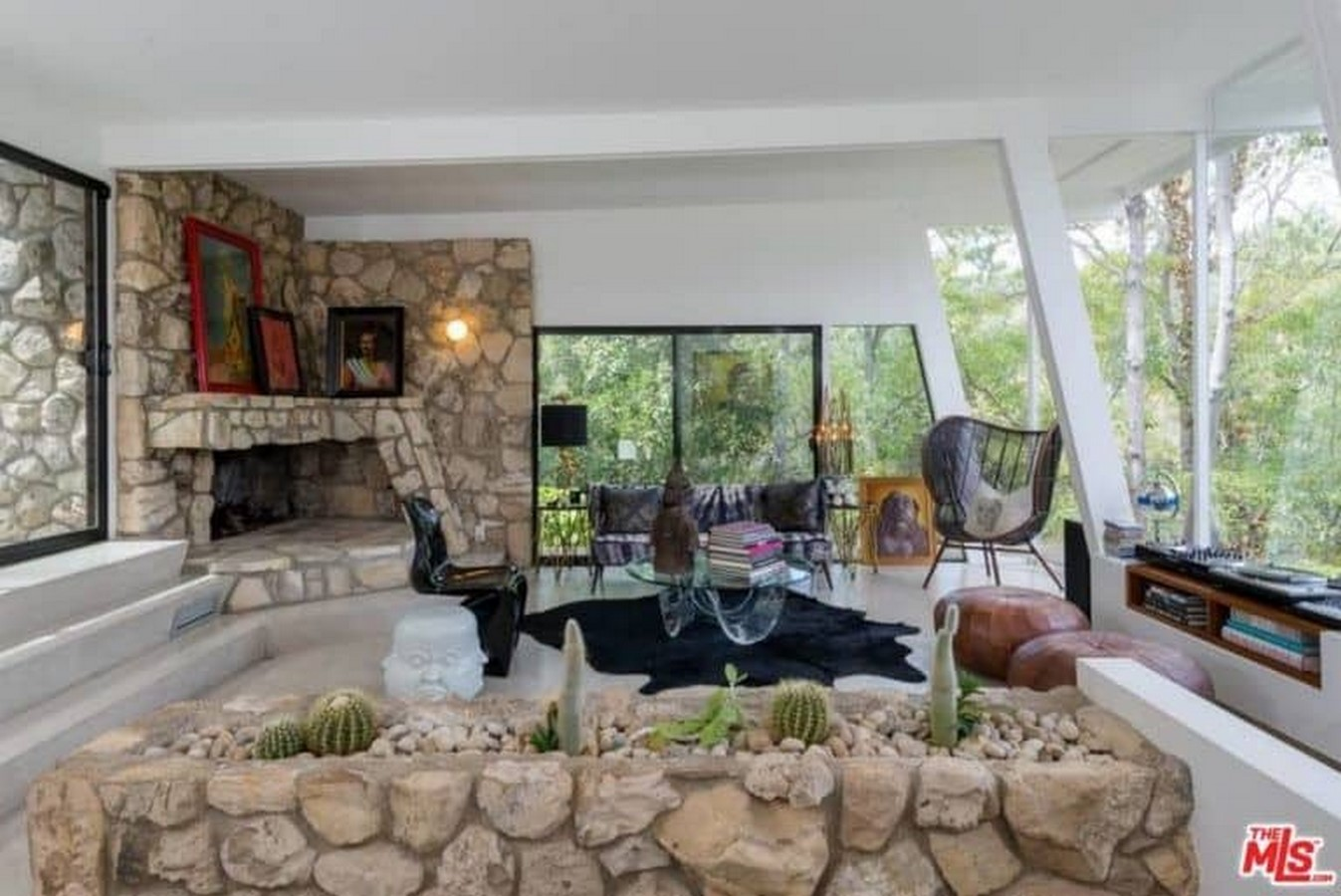 An inside look at all the houses owned by Ellen Pompeo Sheet4