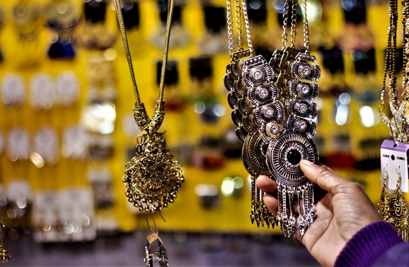 15 Places For Designers to Street Shop in India Sheet14