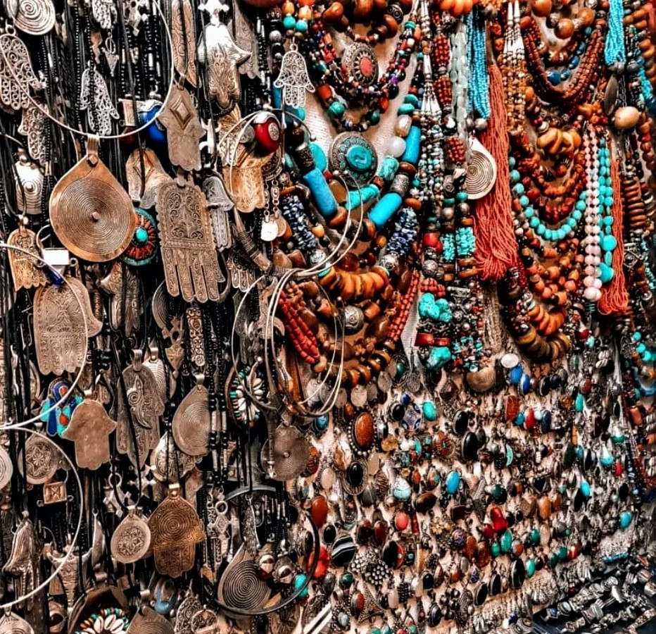 15 Places For Designers to Street Shop in India Sheet15