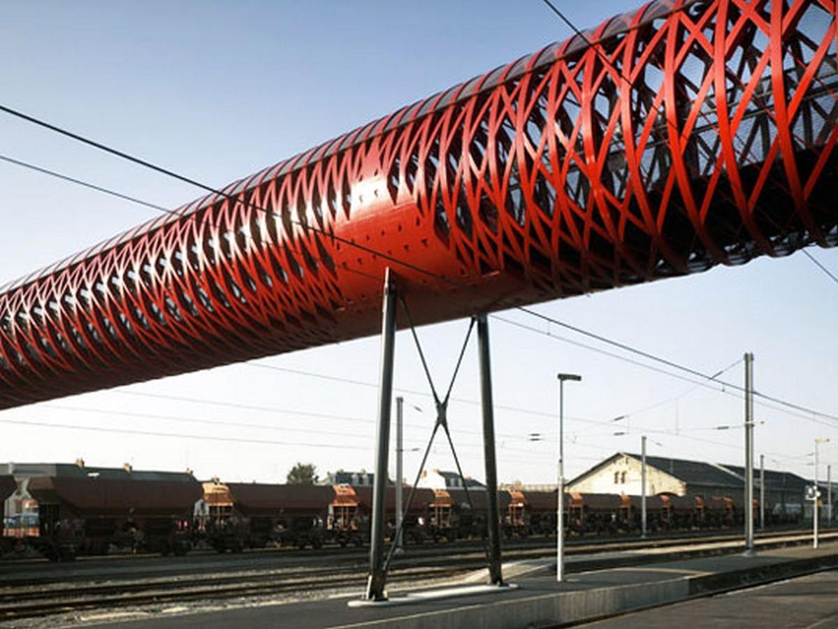La Roche-sur-Yon Pedestrian Bridge, France - Sheet2