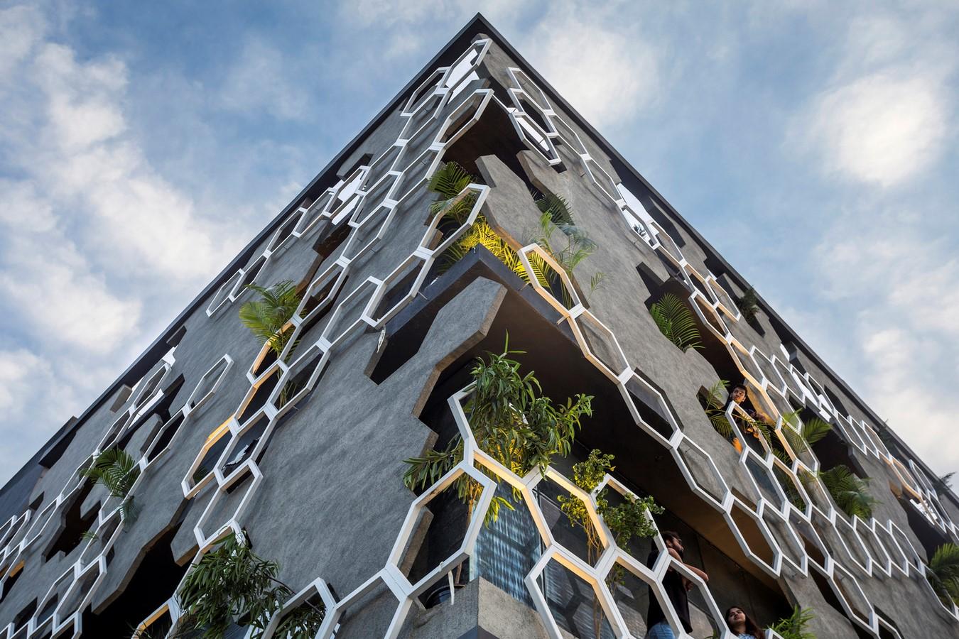 10 Examples of Innovative facade design solutions - Sheet29