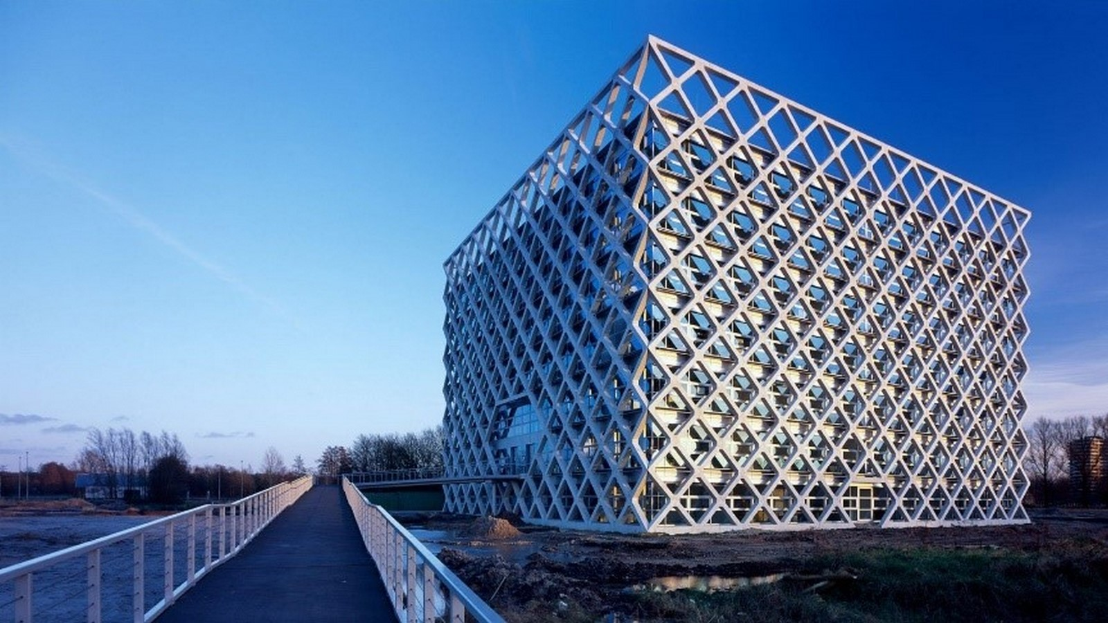 Smart Materials in Architecture - Sheet2