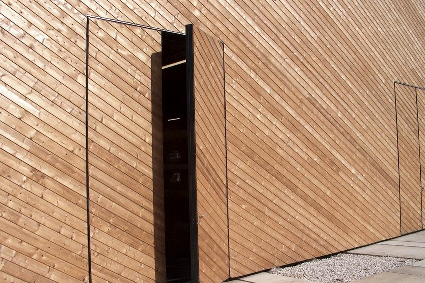 Smart Materials in Architecture - Sheet7