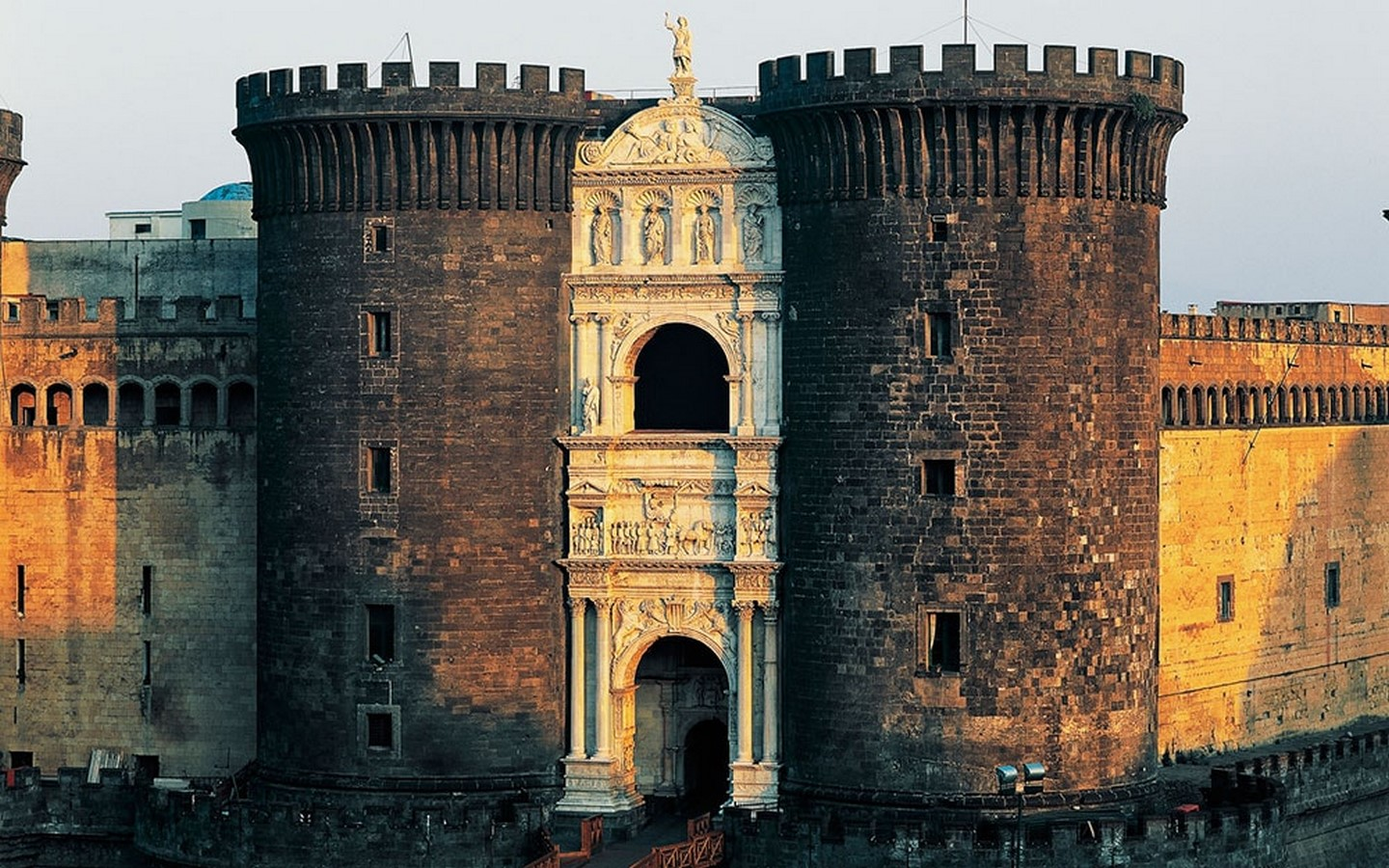 10 Arches of Triumph From Around the World - Sheet17
