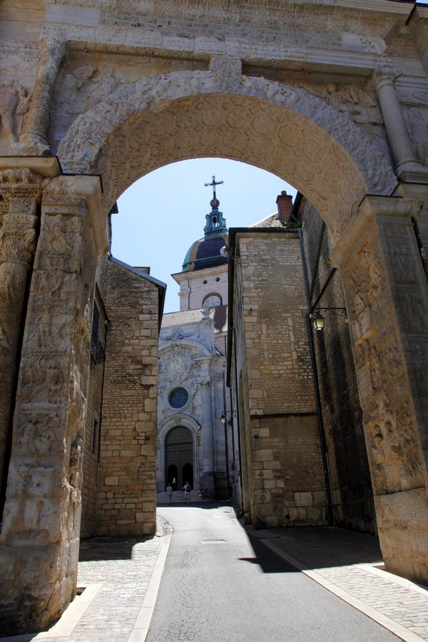 10 Arches of Triumph From Around the World - Sheet7
