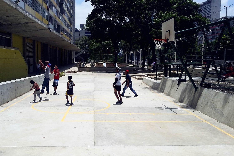 Urban Amenities, Sports Lot, Caracas, Venezuela, Architects- RicardoSanz Sosa and Rodrigo Marin Briceno - Sheet5