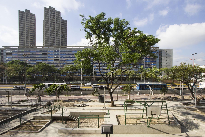 Urban Amenities, Sports Lot, Caracas, Venezuela, Architects- RicardoSanz Sosa and Rodrigo Marin Briceno - Sheet1