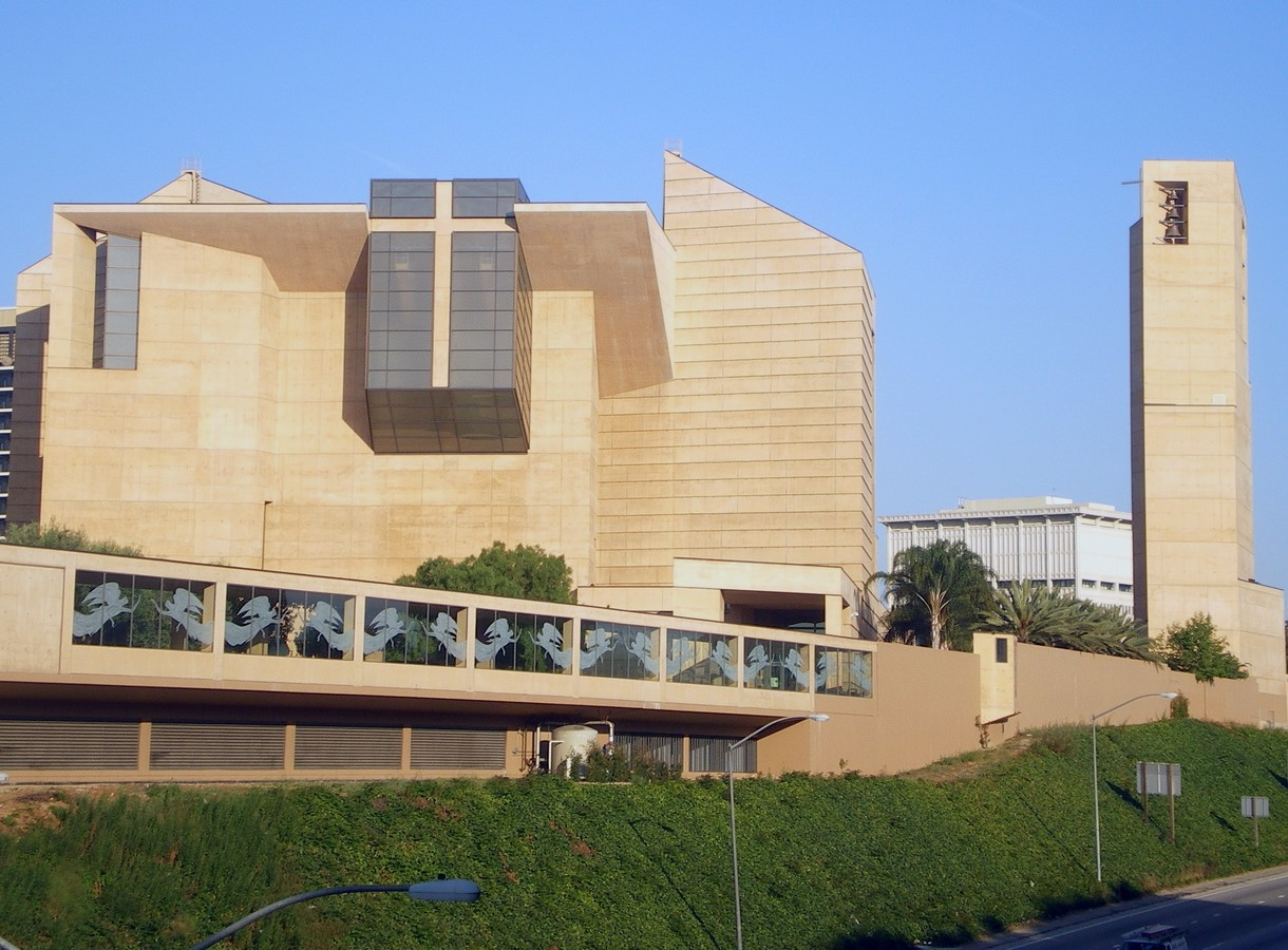 Cathedral of Our Lady of the Angels by Rafael Moneo: A series of acute and obtuse angles - Sheet1