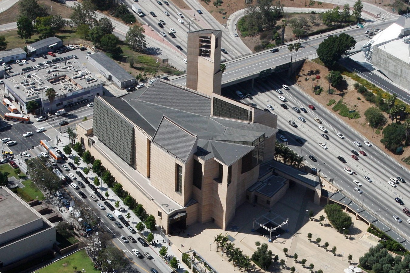 Cathedral of Our Lady of the Angels by Rafael Moneo: A series of acute and obtuse angles - Sheet10