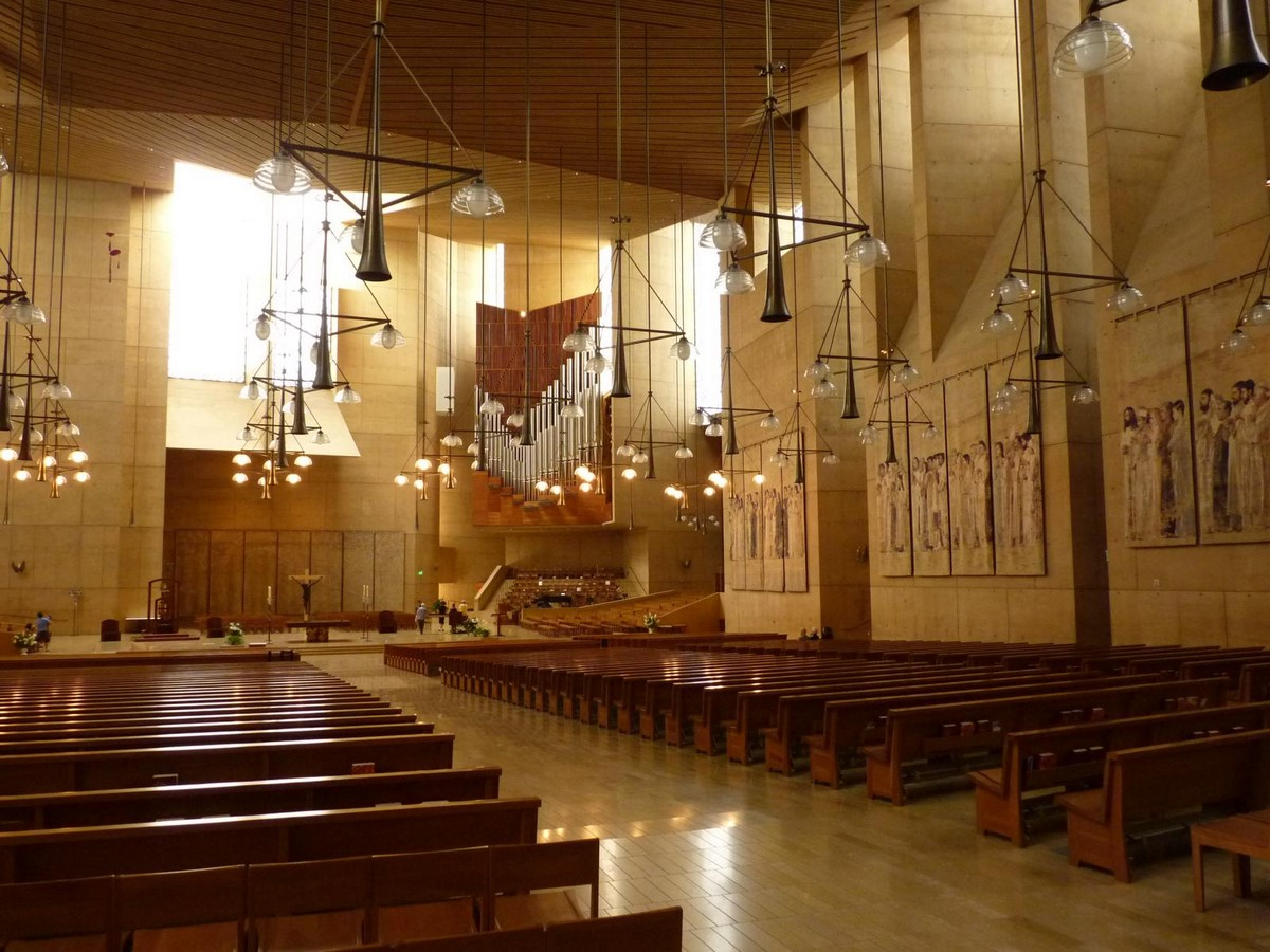 Cathedral of Our Lady of the Angels by Rafael Moneo: A series of acute and obtuse angles - Sheet3