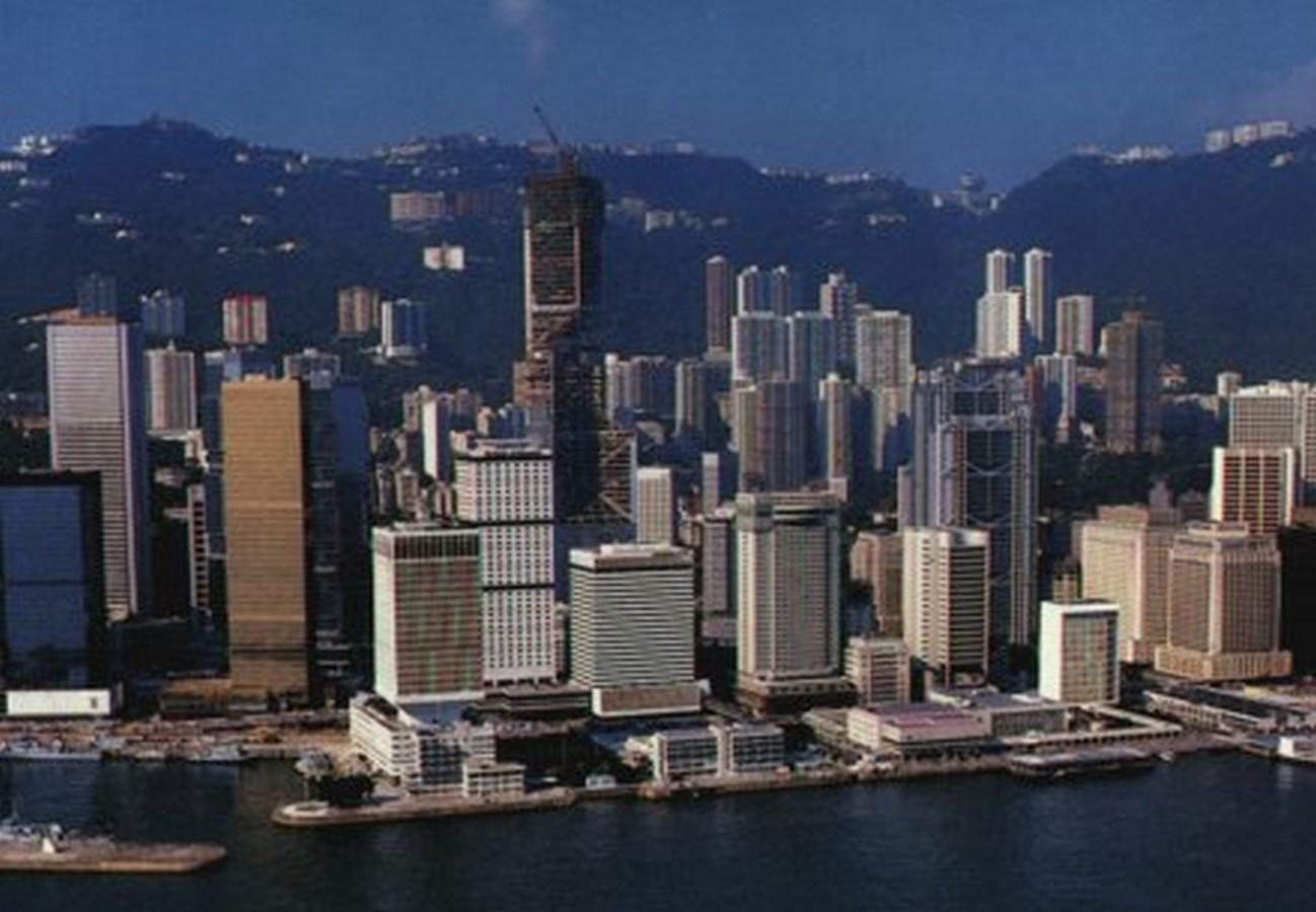 The politically inclined architecture of Hong Kong - Sheet13