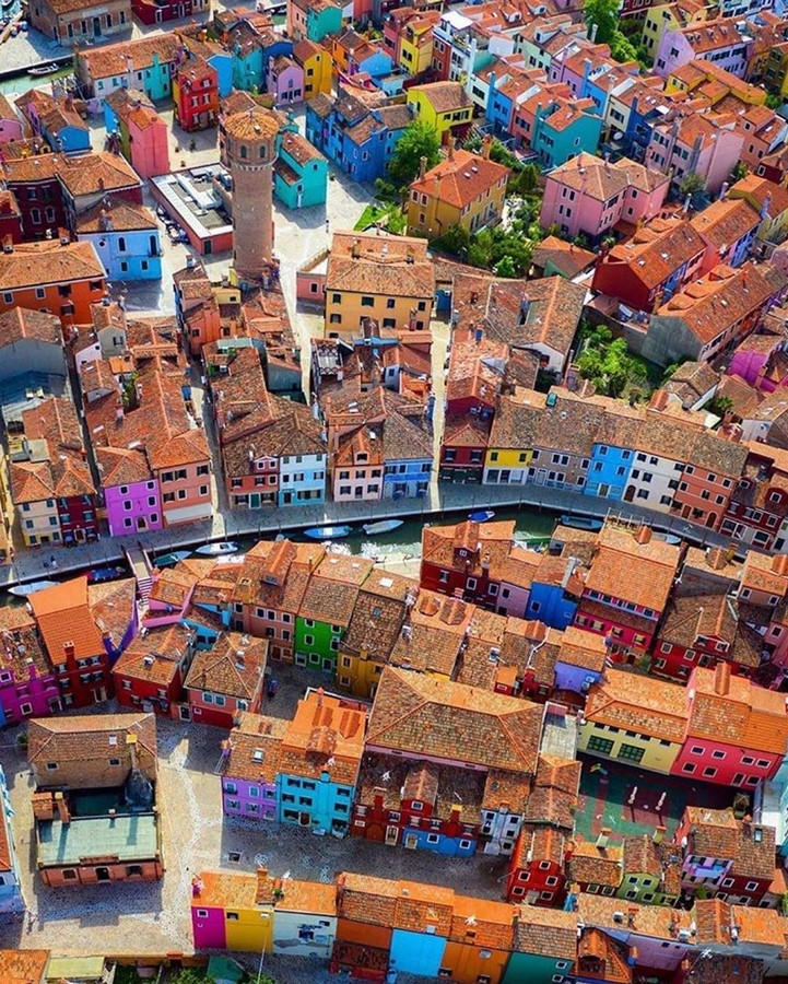 Architecture of Cities: Burano, Italy: Rainbow Architecture Sheet2
