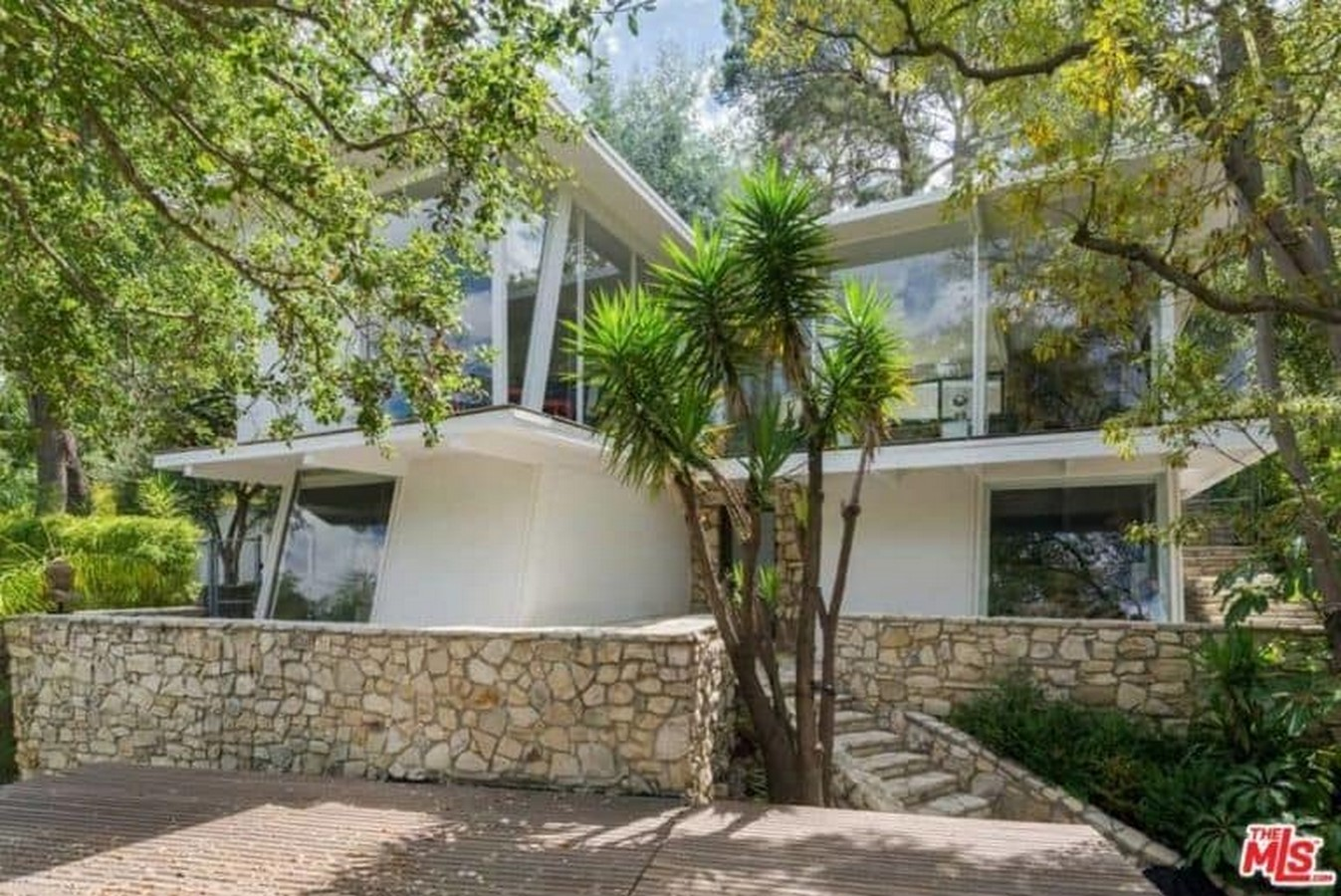 An inside look at all the houses owned by Ellen Pompeo Sheet2