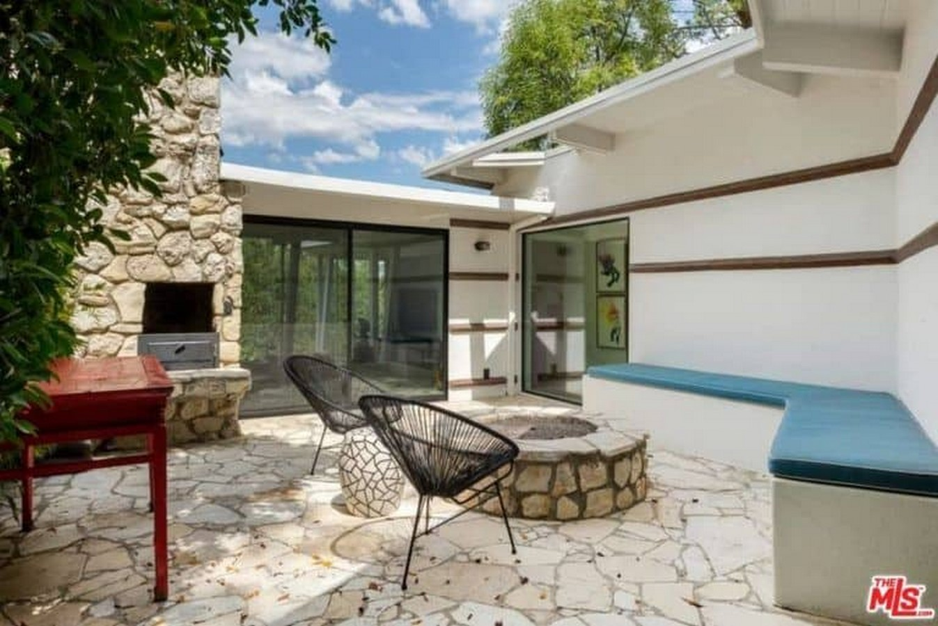 An inside look at all the houses owned by Ellen Pompeo Sheet6