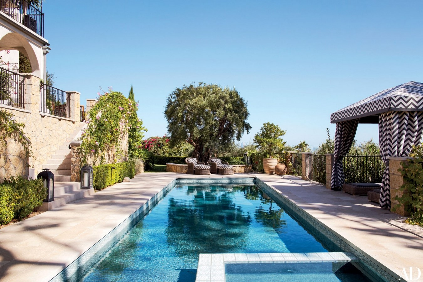 An inside look at all the houses owned by Ellen Pompeo Sheet9