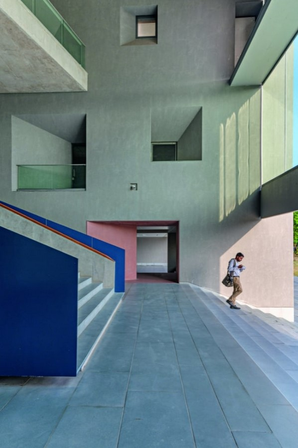 School of Arts and Sciences at Ahmedabad University by Rahul Mehrotra: Re-imagining Learning Sheet5