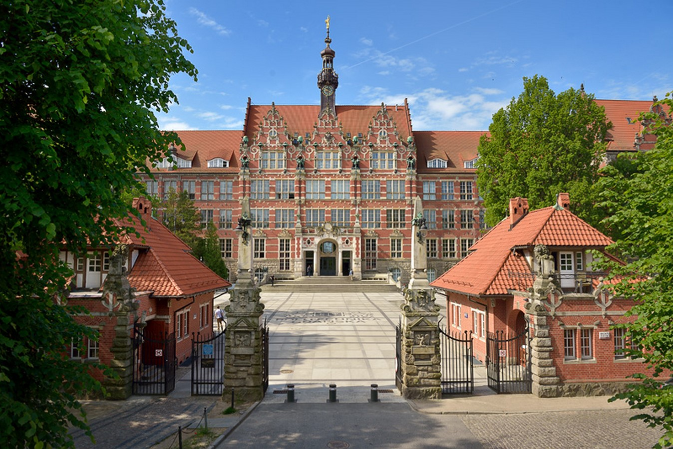 Campus life at Gdansk University of Technology :architecture studies Sheet1