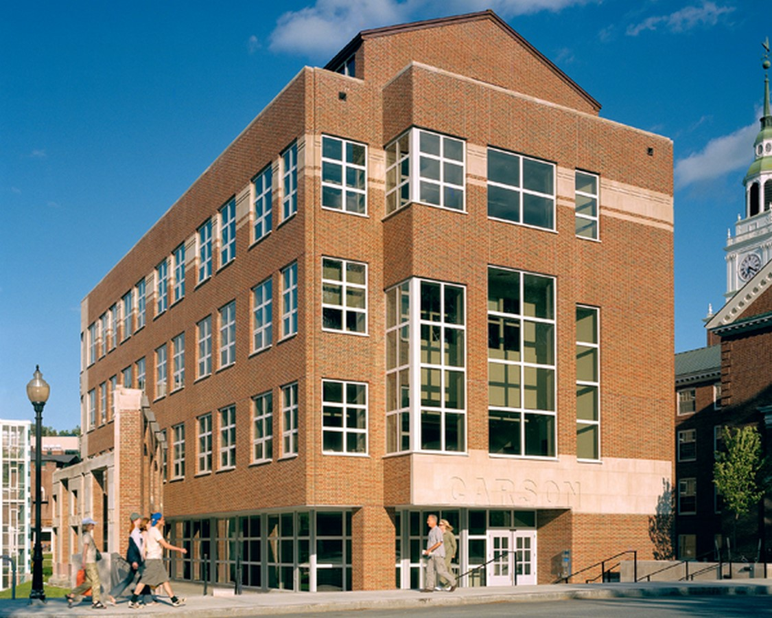 Baker-Berry Library by Robert Venturi: An Iconic representation of the College Sheet3