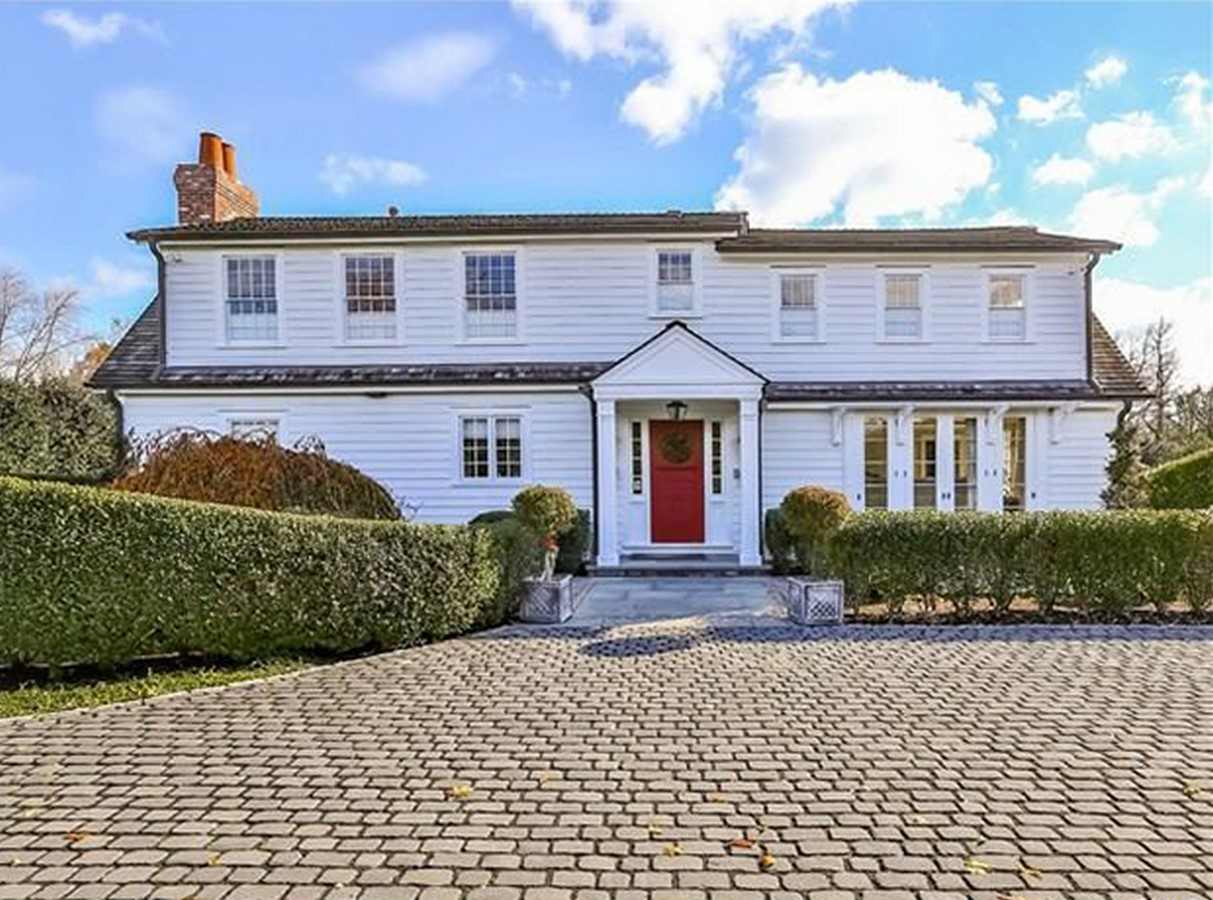 An inside look at all the houses owned by Anne Hathaway Sheet7
