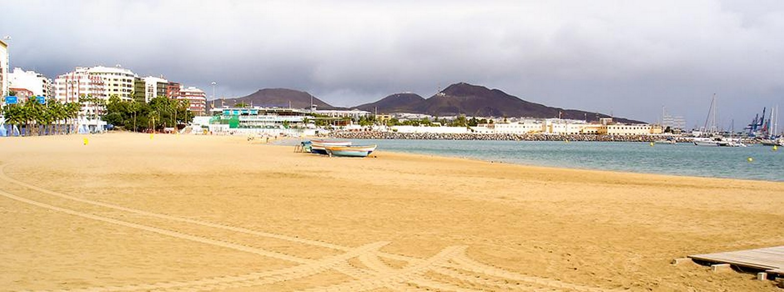 Architecture of Cities: Las Palmas: One of the largest cities in Spain Sheet6