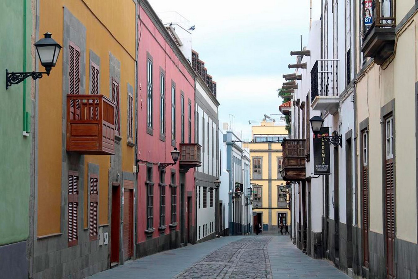Architecture of Cities: Las Palmas: One of the largest cities in Spain Sheet9