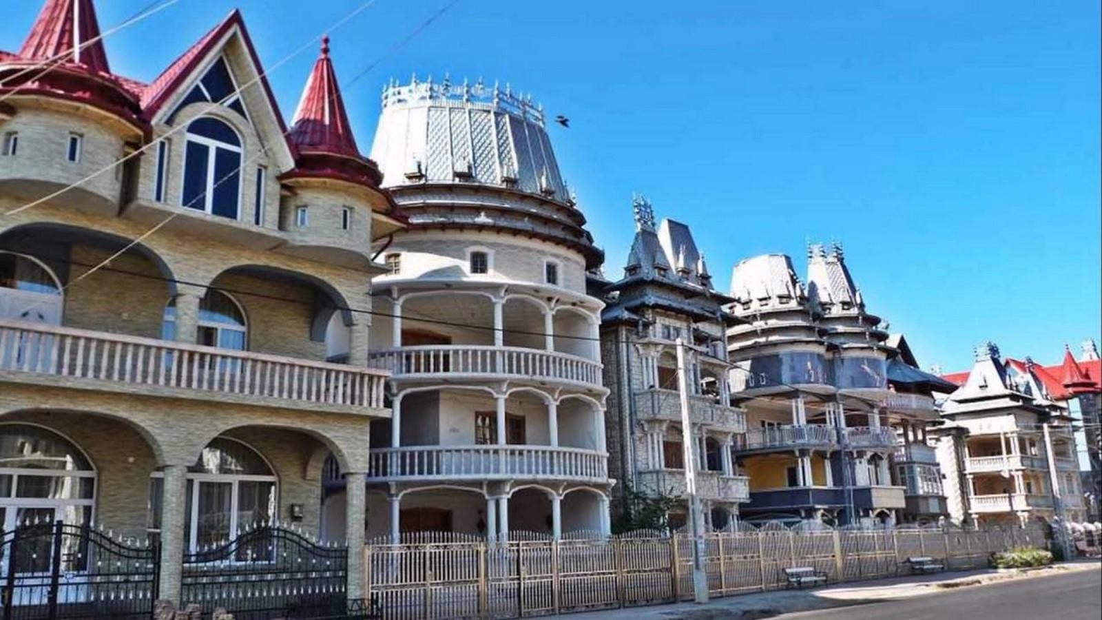 Kitsch Architecture: Developed by industrialization and urbanization Sheet12