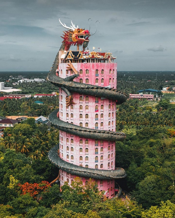 Kitsch Architecture: Developed by industrialization and urbanization Sheet8