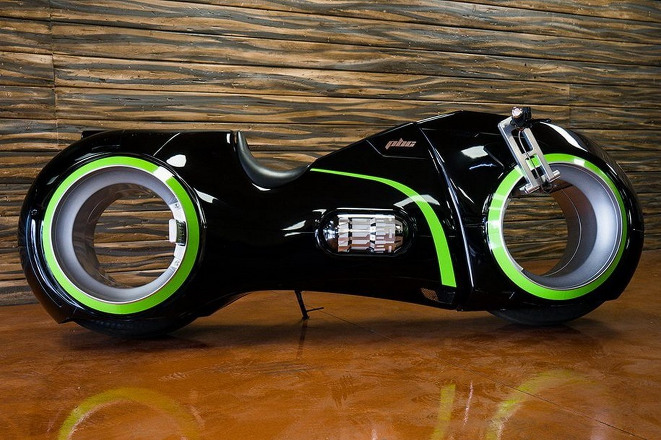Top 10 Automobile Designs Inspired by Sci-Fi Movies and TV Sheet17