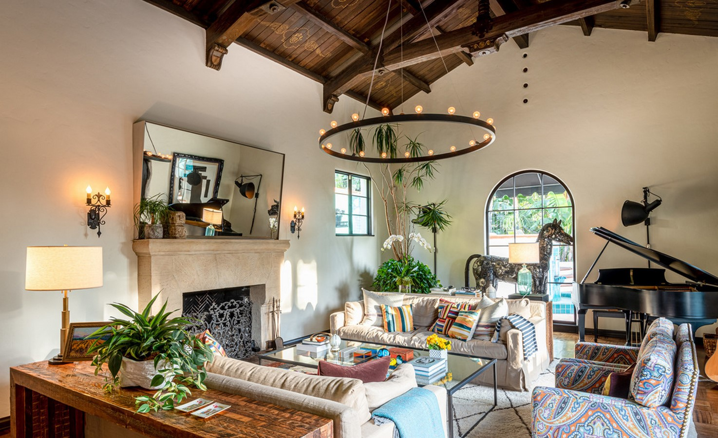 An inside look at all the houses owned by Jesse Tyler Ferguson Sheet4
