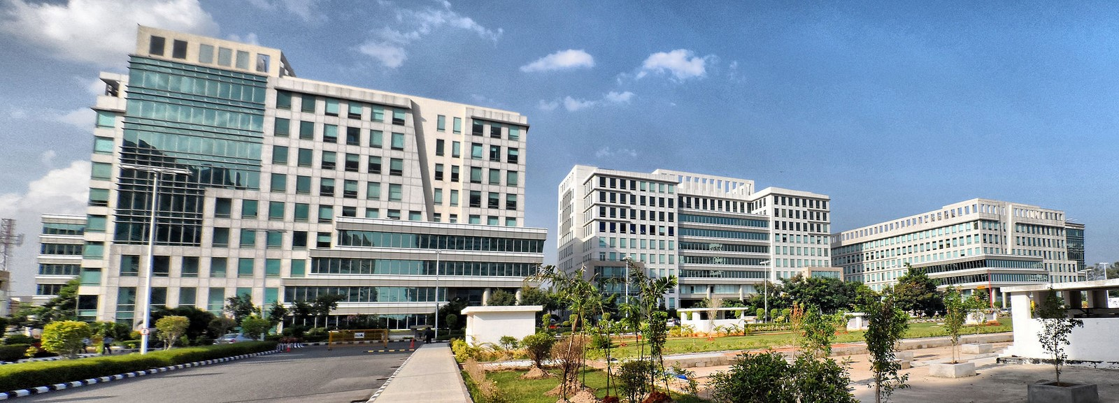 DLF Cyber City, Chennai by Hafeez Contractor: New Generation Offices Sheet1
