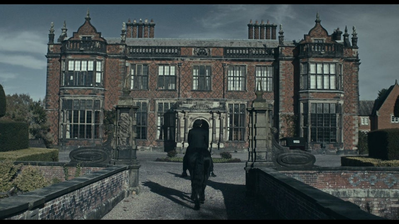 Understanding The Architecture Of the Show Peaky Blinders Sheet7