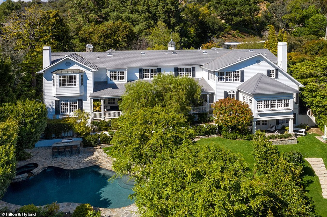 An inside look at all the houses owned by Ashton Kutcher and Mila Kunis Sheet5