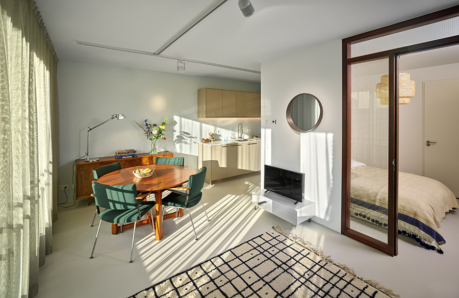 Compact apartment Zeeburgereiland by JAM spaces that matter