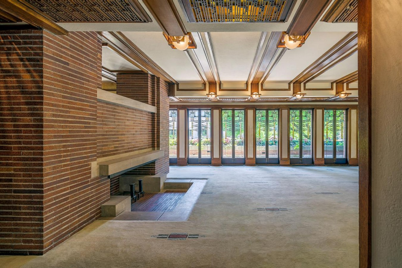 Frederick C. Robie House by Frank Lloyd Wright: Prairie style of architecture - Sheet8