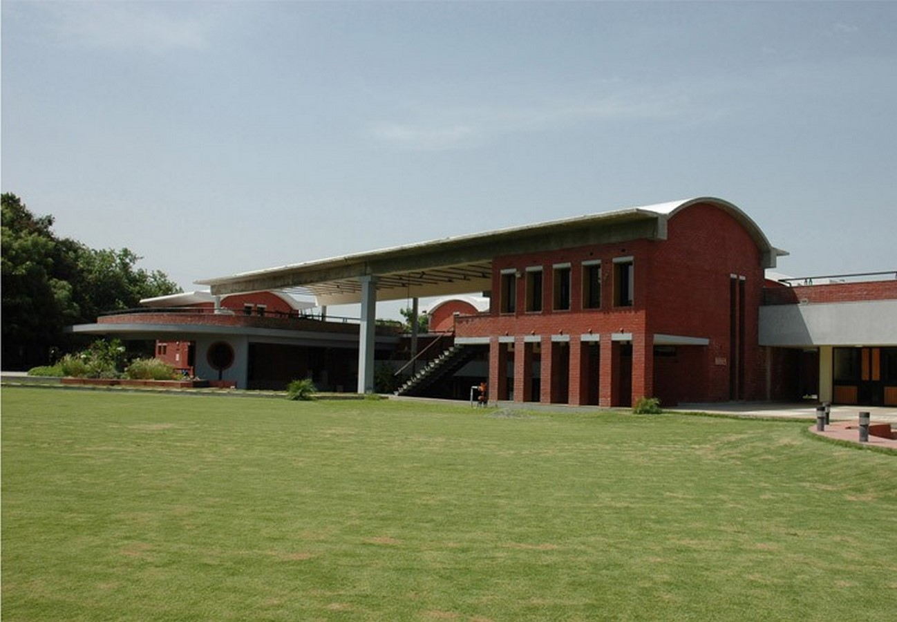 Footprints E.A.R.T.H- Pioneering Sustainable Architecture of Regional India - Sheet1