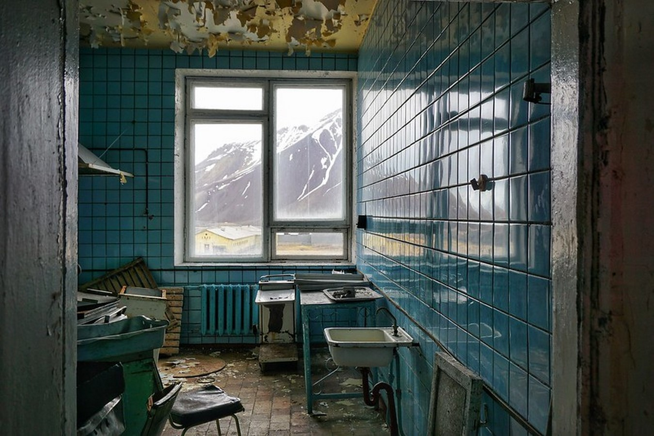 Lost In Time: Pyramiden, Norway - Sheet11