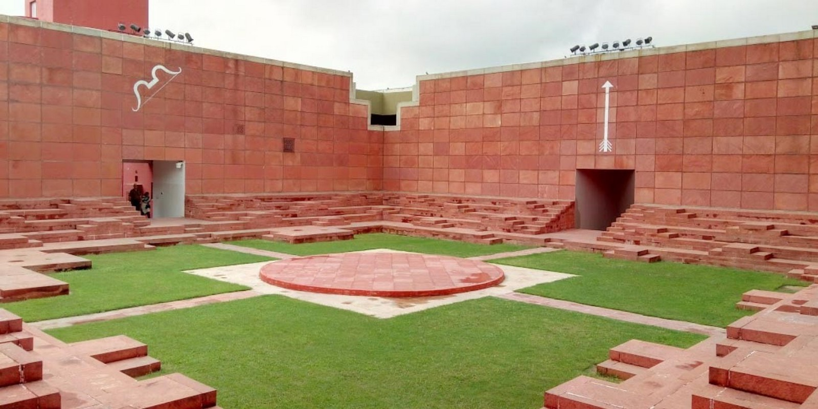 Revisiting the past: Indian independence and Architecture - Sheet5
